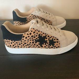 Trendy Leopard Print Sneakers
